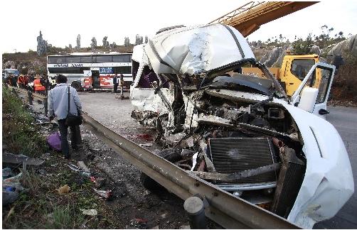 印度北方邦发生交通事故10人死亡